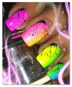 Neon  ombre nails with hand draw flowers super cool for summer !