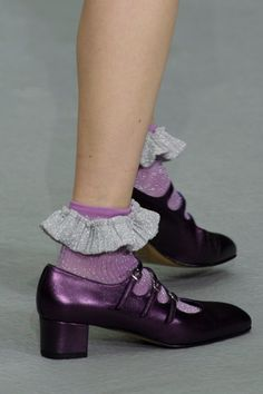 Ryan Lo at London Fashion Week London Fashion Weeks, Tap Shoes, Me Too Shoes, Dance Shoes, Sock Shoes, Shoe Boots, Shoe Bag, Mode Inspiration, World Of Fashion