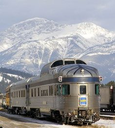 The pristine beauty of the Canadian Rockies in Western Canada may be viewed through a VIA Rail Canada train. Ed Boitano of Traveling Boy writes about his winter journey through a majestic landscape once inaccessible by any form of transportation. Rail Train, By Train, Train Tracks, Train Rides, Train Trip, U Bahn Station, Train Station, Diesel, Via Rail