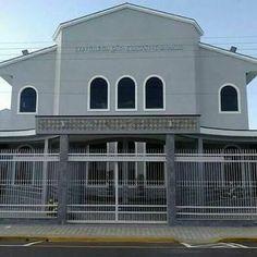 Vila Nova. Central de Franca SP. Garage Doors, Mansions, House Styles, Outdoor Decor, Home Decor, Temples, Mansion Houses, Room Decor, Villas