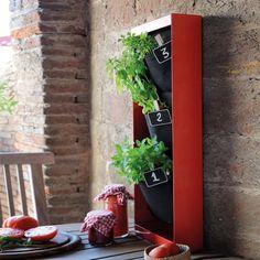 Vertikales Hochbeet Urban Garden online kaufen ➜ Bestellen Sie Vertikales Hochbeet Urban Garden versandkostenfrei für nur 89,95€ im design3000.de Online Shop!
