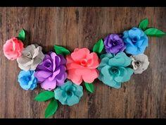 Si quiere decorar tu cuarto o una mesa de dulces de una forma fácil y con poco dinero esta es la opción perfecta. Sólo necesitas imprimir la plantilla, cartulina de colores y listo. Paper Flower Patterns, Paper Flowers Craft, Paper Flower Tutorial, Giant Paper Flowers, Flower Crafts, Diy Flowers, Paper Crafts, Diy Crafts, Paper Flower Centerpieces