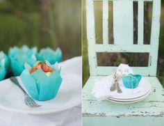 Saftiga Västerbottencupcakes med Kallrökt Lax, Crème Fraiche och Löjrom - Recept av made by mary. Perfekt för midsommar!