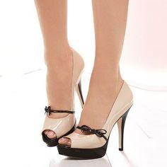 Shoespie Contrast Bowtie Peep-toe Platform Heels ...repinned vom GentlemanClub viele tolle Pins rund um das Thema Menswear- schauen Sie auch mal im Blog vorbei www.thegentemanclub.de