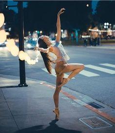 By  @ballerinaslife_7 Dancer: @johannadancesPhotographer: @nathaancarlson #ballet #balletgirl #balletlove #balletlife #balletfeet #balletgoals #balletdancer #balletlegs #balletshoes #ballerina #balletpost #ballerinasofig #leo #tutu #photography #love #strong #goals #flexible #balance #beautiful #pointe #perfect #photoshoot #ballerinaproject #ballerinaslife_7 #dancer #dancephotography #dancersofig #inspiration
