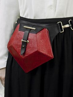 HANDS OF OIZO - 'Pentagone' Leather Belt Bag - red - front view