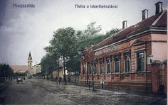 Az egykori városi takarékpénztár a Rákóczi utcával szemben a főutcán