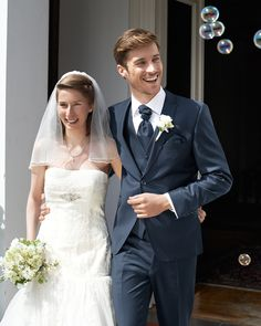 Edler Hochzeitsanzug in Blau von WILVORST - Jetzt nachsehen bei weddix.de
