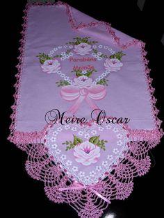 Pano de copa modelo coração, (Tecido nas cores verde,vermelho,rosa,lilas,preto ou branco - você pode escolher)  Tamanho: 50 cm de largura por 1.25 de comprimento R$ 48,28