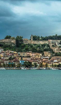O Τάσος Δούσης προτείνει 8 υπέροχες αποδράσεις μια ανάσα από την Αθήνα μόλις επιτραπούν οι μετακινήσεις! Paris Skyline, River, Outdoor, Outdoors, Outdoor Games, The Great Outdoors, Rivers