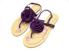 purple sandals for the bridesmaids!
