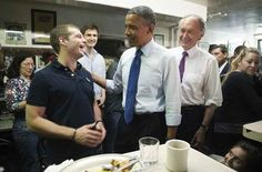 What The Hell Is Going On In This Photo Of PresidentObama? - Buzzfeed