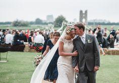 wedding ceremony.  www.luisholden.com