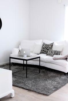 Sofa in livingroom / MITT VITA HUS