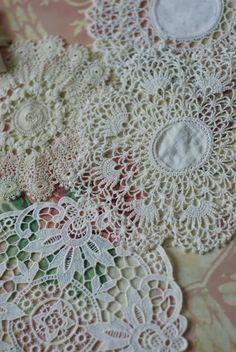 Jennelise: Living With Lace