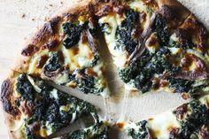 Spinach and Garlic Alfredo Pizza