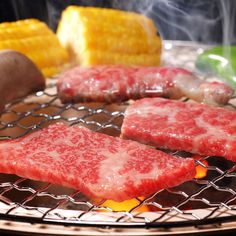 3 Best Dishes to Try in the Japanese Yakiniku Restaurants – Japan Info Japanese Steak, Japanese Menu, Japanese Dishes, Kobe Steak, Thin Sliced Beef, Food Menu Design, Instant Recipes, Best Dishes, Grilled Meat