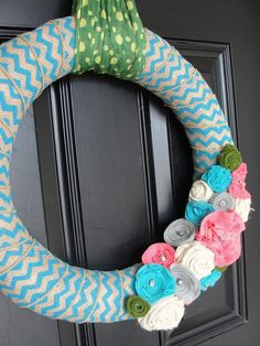 Spring Wreath.. I've always wanted to make a wreath and this one seems simple enough! Gonna try and make one for easter!!