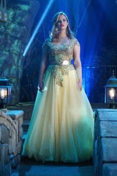 #PLL6x09 Alison DiLaurentis - Prom dress