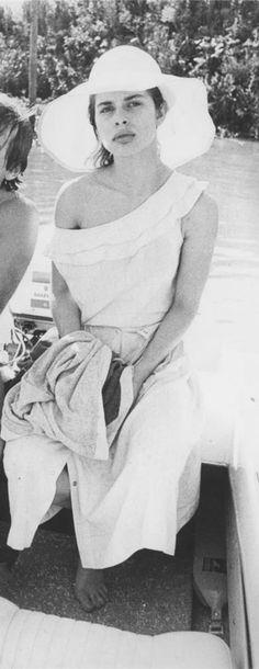 Nastassja Kinski, 1976 Vintage Models, Vintage Photos, Thomas Hardy Novels, Matthew Modine, Nastassja Kinski, Charlie Sheen, Roman Polanski, Cat People, Fresh Face
