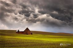 Mammatus Clouds and Barn Palouse (Beautiful Landscape Photography by Chip Phillips on CrispMe)