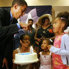president Barack Obama is 56 years old today! His wife, Michelle Obama of 25 years, wished him a happy birthday by shar. Barack Obama Family, Malia Obama, Obamas Family, First Black President, Mr President, Black Presidents, American Presidents, American History, Joe Biden
