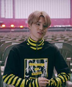 I would like to order 1 Park Jimin for me please. Busan, Park Ji Min, Steve Aoki, Woozi, Jooheon, Jikook, Bts Jimin, K Pop, Winwin