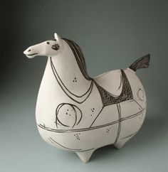 Simply named Horse sculpture, he is one of the iconic works of Stig Lindberg - THE Swedish ceramic design god Pottery Animals, Ceramic Animals, Clay Animals, Ceramic Clay, Ceramic Pottery, Pottery Art, Stig Lindberg, Sculptures Céramiques, Horse Sculpture