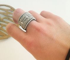 T Sami style ring Friendship Art, Beaded Jewelry, Jewelry Rings, Viking Bracelet, Wire Weaving, Jewellery Storage, Arm Band Tattoo, Jewelry Design, Jewelry Making