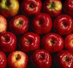 Cómo decorar un jarrón con manzanas | eHow en Español