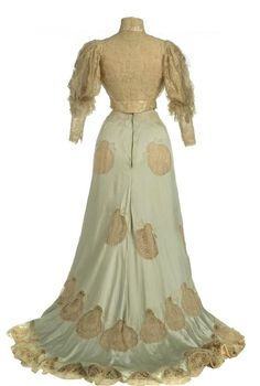 Dress ca. 1900-06 From the Museo del Traje