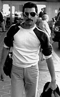 """Freddie Mercury (singer of rock & roll group """"Queen"""") Queen Freddie Mercury, John Deacon, Afro Blonde, Freedy Mercury, Freddie Mercuri, Roger Taylor, We Will Rock You, Helena Bonham Carter, Queen Band"""