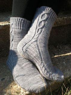 Ravelry: albis' Empoisonnée SOCKS yarn Greta and the fibers hand dyes from Barcelona www.gretaandthefibers.com Knitting Socks, Hand Knitting, Knitting Patterns, Knit Socks, Cute Socks, My Socks, Awesome Socks, Ravelry, Socks And Heels
