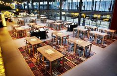 300 del Born, Barcelona - Nuevo bar de la Moritz dentro del renovado Mercado del Born.