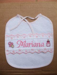 Resultado de imagen de babetes bordadas a ponto de cruz Cross Stitch For Kids, Burp Cloths, Baby Bibs, Cross Stitch Patterns, Diy And Crafts, Lily, Embroidery, Handmade, Google