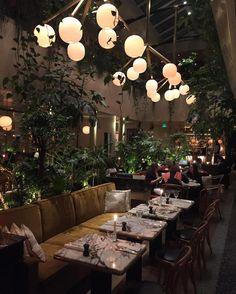 Ce matin jai dcouvert LAlcazar et ctait beau beau BEAUhellip Restaurant Pas Cher Paris, Restaurant Design, Restaurant Bar, Paris Bars, Resto Paris, Plan Paris, Greens Restaurant, Dinner In Paris, Basket Lighting