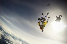 4155 Skydivers Jump at 10,000 Meters over Mont Blanc