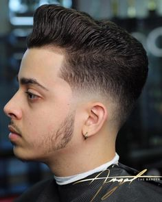 The Drop Fade – Men's style, accessories, mens fashion trends 2020 Bald Taper Fade, Low Taper Fade Haircut, Latest Hairstyles, Cool Hairstyles, Undercut With Beard, Drop Fade, Beard Cuts, Pompadour Style, Facial Hair