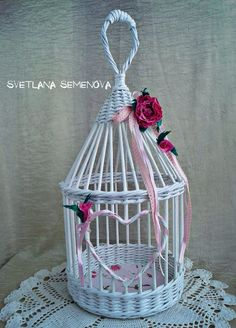 Birdcage of Rolled Paper Newspaper Basket, Newspaper Crafts, Diy Bottle, Bottle Crafts, Paper Basket Weaving, Straw Art, Deco Kids, Shabby Chic Crafts, Ideias Diy