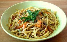 Asian Recipes, Ethnic Recipes, Wok, Spaghetti, Lime, Lasagna, Limes, Noodle, Asian Food Recipes