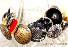 How to make an Easy Button Bracelet Tutorial. DIY Shank button bracelet tutorial