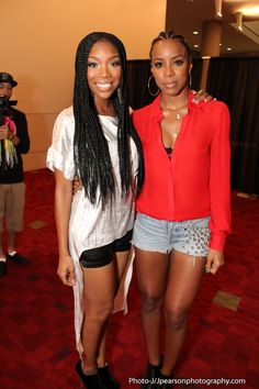Brandy and Kelly Rowland - lovin Brandy's braids!