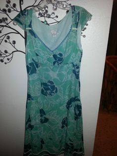 Anthropologie Ladies Dress Silk  odille label  SZ 4 Turquoise and Teal  Cap Sle