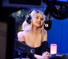 Selena Gomez BBC Radio 1 Breakfast Show with Nick Grimshaw Selena And Taylor, Selena Selena, Selena Gomez Fotos, Selena Gomez Pictures, Rihanna, Ariana Grande, Marie Gomez, Woman Crush, Hottest Photos