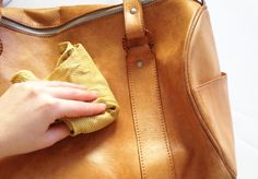 How to clean a leather purse