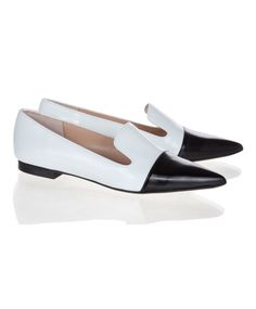 Are these not the most classic pair of work shoes?! Just wiping the drool of my desk now. #musthave #workwear