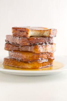 How to make Vegan Torrijas | minimaleats.com Vegan Breakfast Recipes, Delicious Vegan Recipes, Raw Food Recipes, Sweet Recipes, Yummy Food, Delicious Deserts, Breakfast Healthy, Sweet Breakfast, Healthy Recipes