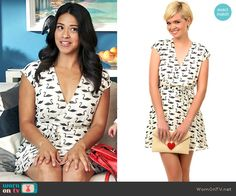 Unique Vintage Swan Print Guomi Flare Dress worn by Gina Rodriguez on Jane the Virgin Casual Dress Outfits, Stylish Outfits, Cute Outfits, Fashion Tv, Fashion Outfits, Fashion Movies, Jane The Virgin, Print Wrap, Summer Dresses