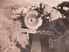 Click image for larger version.  Name:militaria 020.jpg Views:287 Size:215.4 KB ID:435009