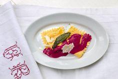 Rezept für Kürbis-Ravioli mit Rote-Bete-Meerrettich-Schaum -